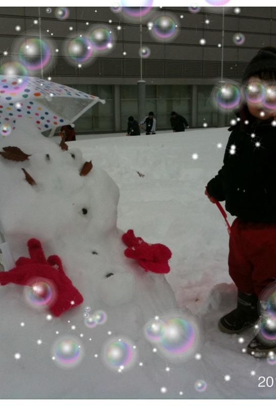 雪だるまと体育館のお兄さん